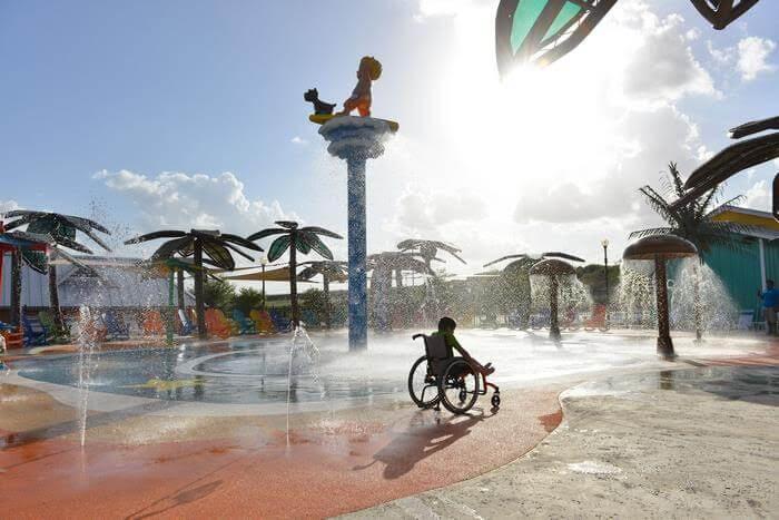 لأول مرة مدينة ألعاب مائية لذوي الأحتياجات الخاصة1