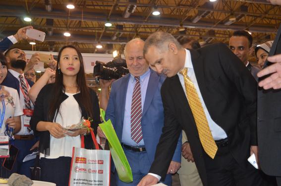 افتتاح معرض الصين التجاري بحضور رئيس المجلس العربي الإفريفي