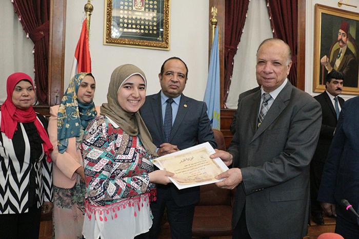 محافظة القاهرة تحتفل بختام البرنامج التدريبي لبرلمان شباب القاهرة3