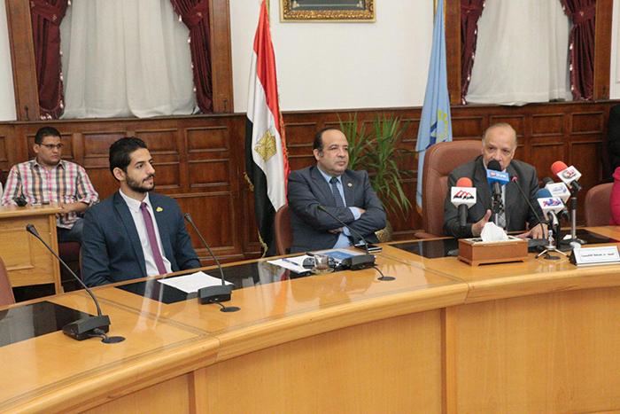 محافظة القاهرة تحتفل بختام البرنامج التدريبي لبرلمان شباب القاهرة1