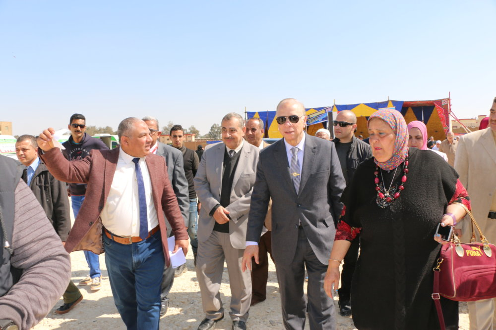 قافلة طبية بالهايكستب بالتعاون بين حي مصر الجديدة وجمعيات أهلية