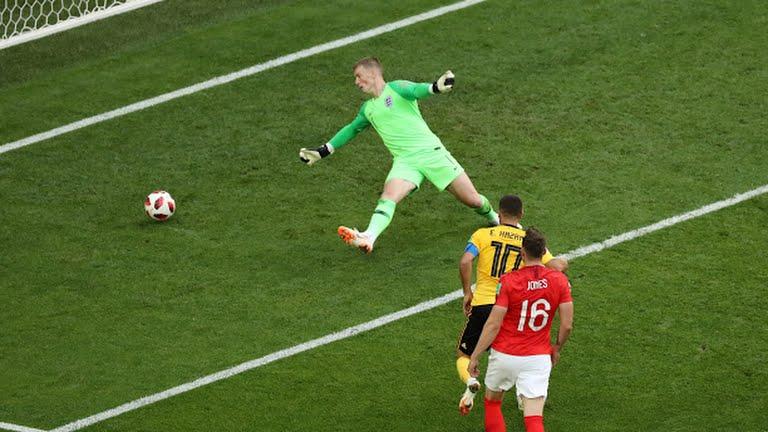 بلجيكا تحرز الهدف الثانى في شباك إنجلترا