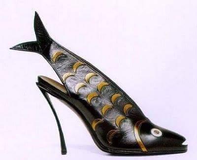 إضحك والاحذية الغريبة