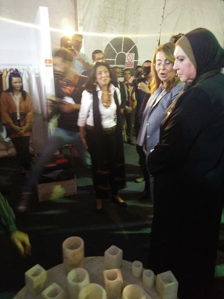غادة والى تفتتح المعرض الدولى للحرف اليدوية