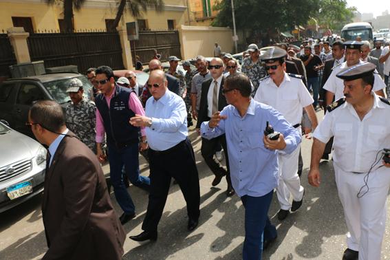 جولة ميدانية لمحافظ القاهرة بميدانى السيدة زينب والسيدة عائشة