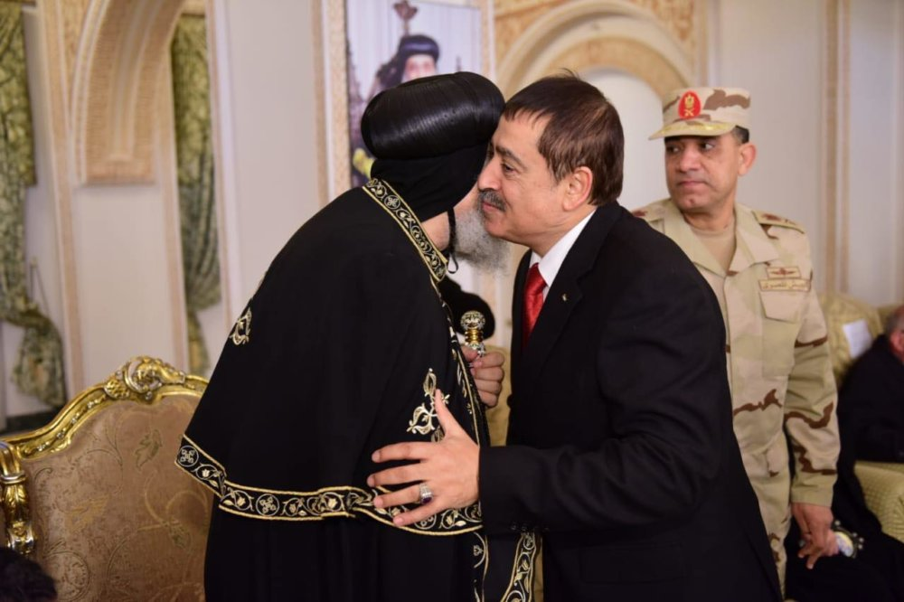 بالصور صالون البابا تواضروس يستقبل المهنئين بعيد الغطاس بالكاتدرائية المرقسية بالإسكندرية