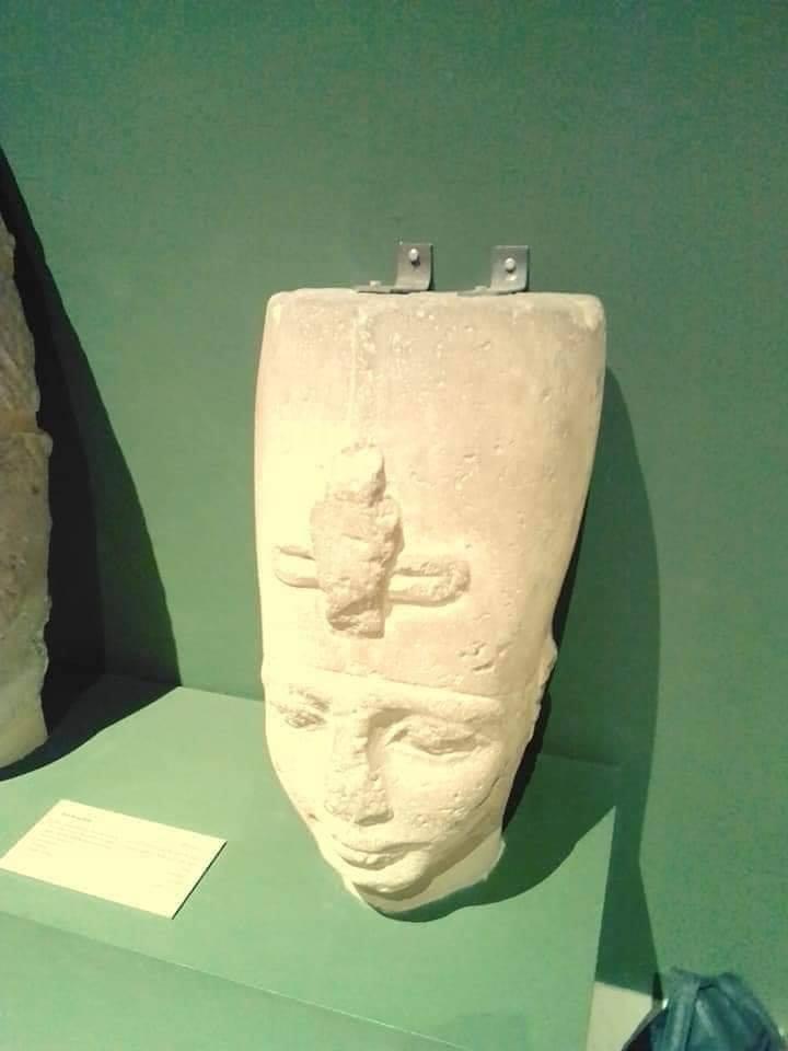 """لمنع السرقة .."""" خبورين"""" في رأس تمثال آثري !!"""