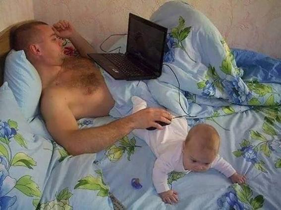 إضحك مع صور الأطفال مع الاباء