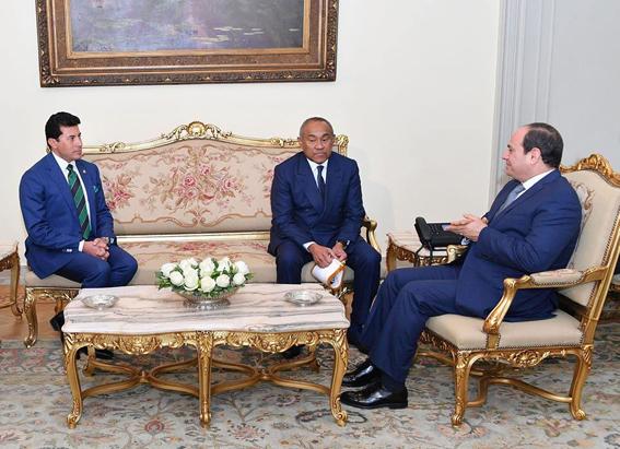 """""""السيسي""""  يستقبل رئيس الاتحاد الأفريقي لكرة القدم """"كاف"""""""