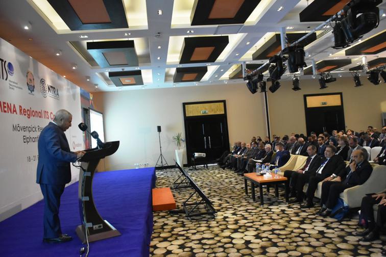 وزير الإتصالات يوقع بروتوكولات تعاون مع محافظة أسوان