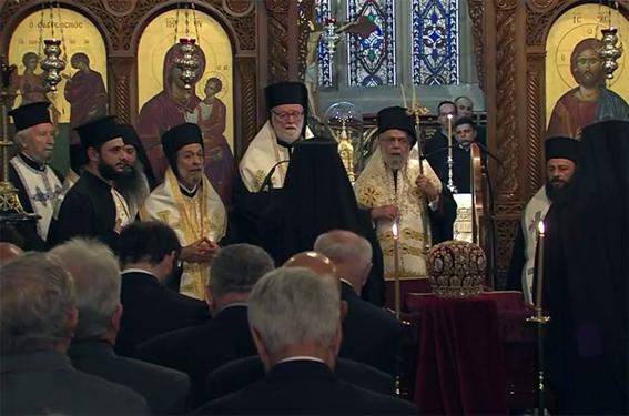 الجالية اليونانية بأستراليا تلقى نظرة الوداع على جثمان رئيس أساقفتهم الانبا ستيليانوس
