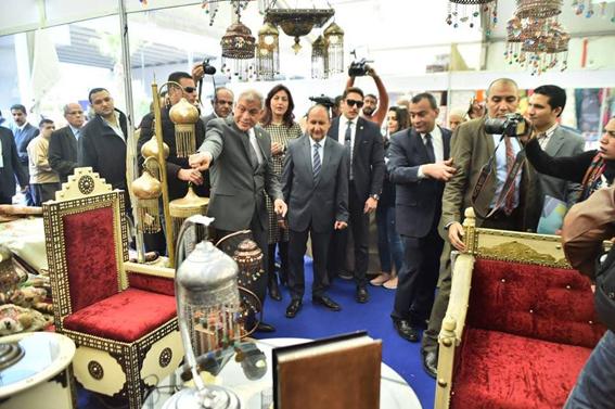 وزير التجارة يفتتح الدورة الـ 52 لمعرض القاهرة الدولي مشاركة 300 شركة يمثلون 6 دول