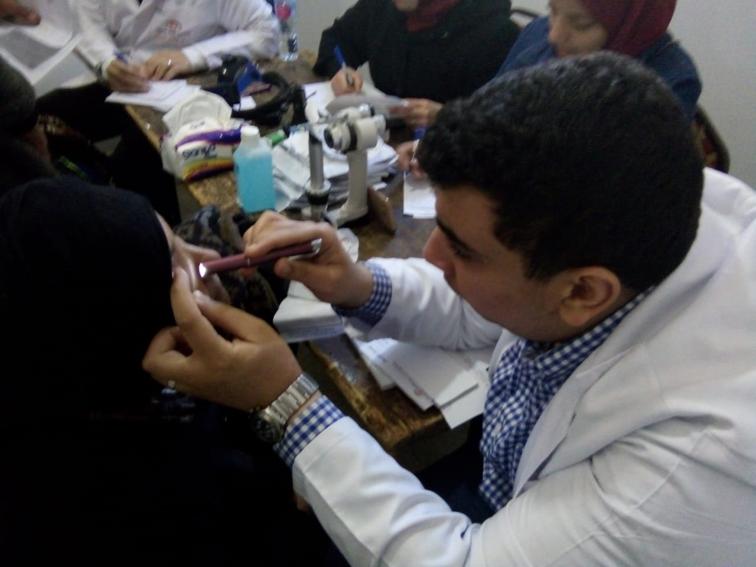 """عنيك في عنينا"""" تكافح مسببات العمى بالكشف مجانا على 610 مواطن بالشرقية"""