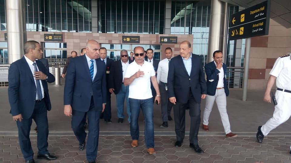 وزير الطيران المدني يهنئ العاملين والمسافرين بعيد القيامة المجيد وشم النسيم