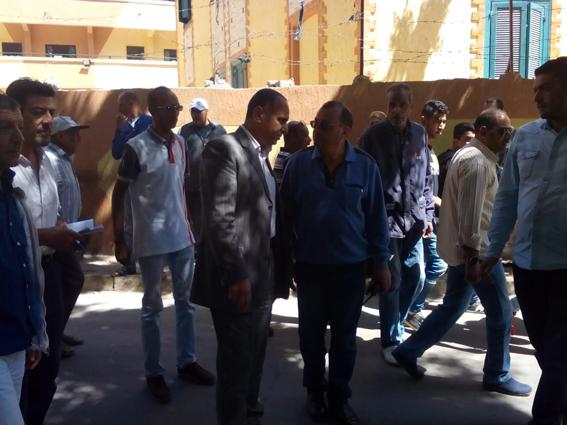 محافظ الإسكندرية يكلف بمتابعة إزالة الإشغالات بالشوارع والطرق الرئيسية