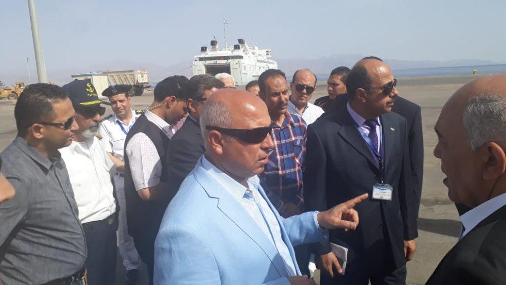 وزير النقل يتفقد ميناء نويبع البحري ويتابع تطوير الأرصفة البحرية