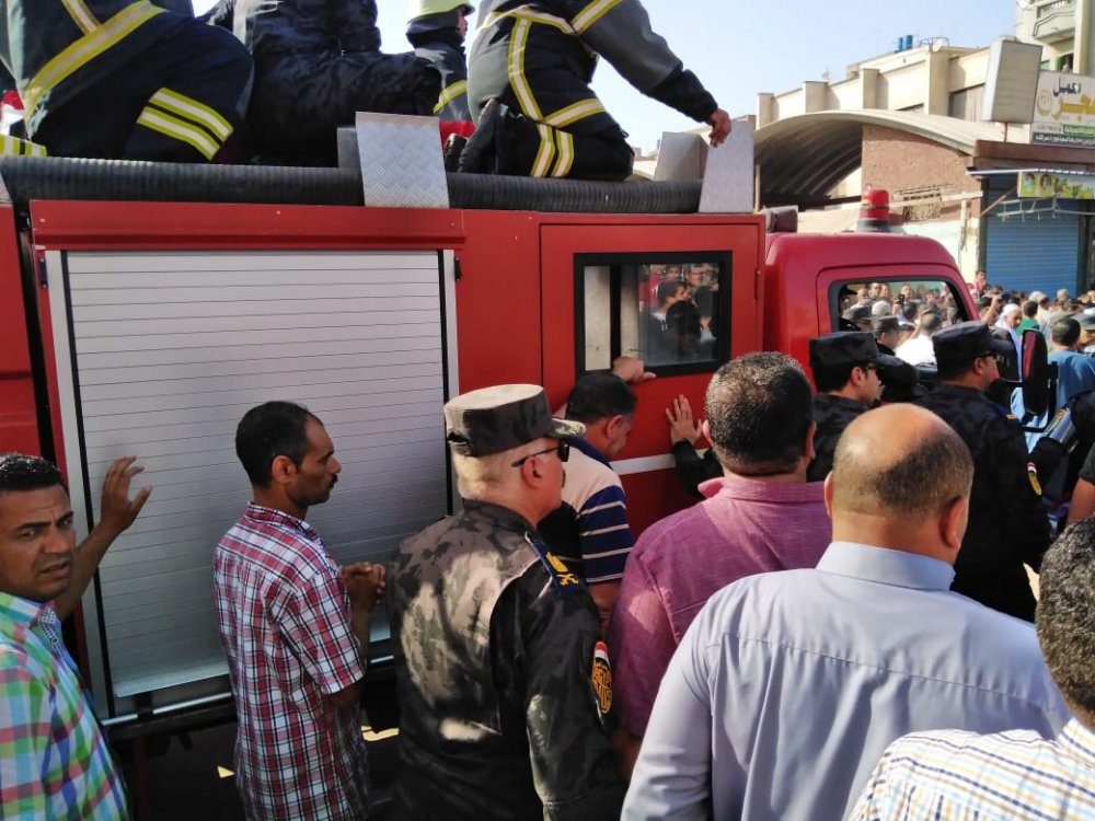 """تشييع جثمان """"خالد صالح"""" شهيد حادث الإسماعيلية بمسقط رأسه"""