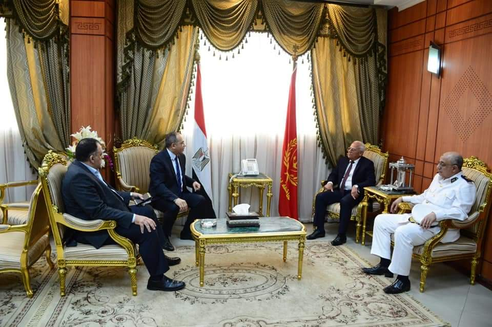 محافظ بورسعيد يستقبل مدير الأمن ويشيد بالدور الكبير لرجال الشرطة