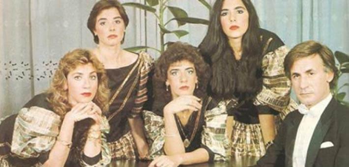 """عزت ابو عوف """"جنتلمان"""" السينما المصرية صاحب الاطلالة المميزة.. وداعًا"""