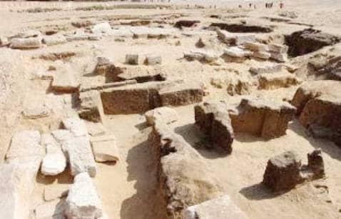 """باحث أثرى :حفائر وترميم مقبرة """"بتاح شبسس"""" هي أول مشروع أثري ينفذ بواسطة المعهد التشيكي للآثار المصرية"""