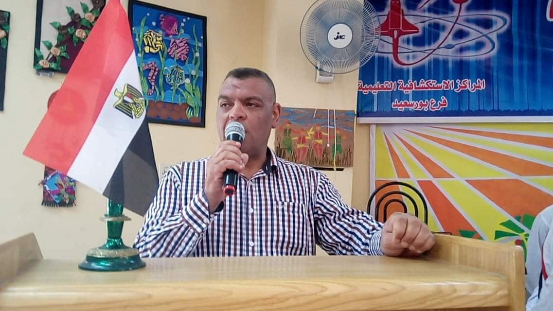 وكيل الوزارة يشهد توزيع شهادات إعفاء طلاب مدارس التربية الخاصة من التجنيد