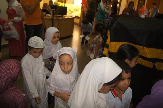 بالصور.. مكتبة دمنهور تصمم نموذج محاكاة لتعليم الأطفال مناسك الحج
