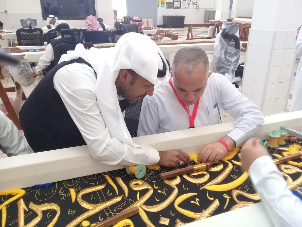 عبد العاطي يلتقى الحجاج المصريين ويستمع لمشاكلهم ويوجه بحلها