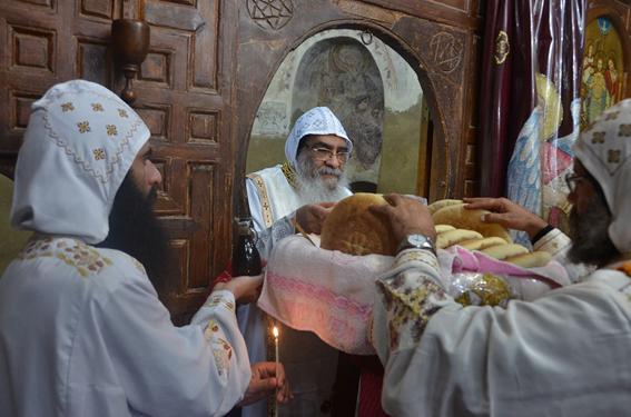 ترقية كهنة في عيد شهداء الفيوم