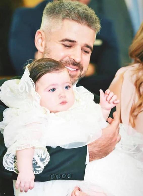 """نانسي عجرم تنشر صور معمودية ابنتها الصغرى  """"ليا"""""""