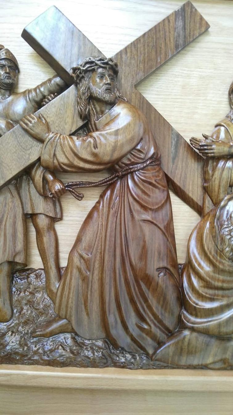 """""""كيرلس"""" نحات قرية قوص.. تعلم على يد راهبان فرنسيان وصاحب هدية بابا الفاتيكان"""
