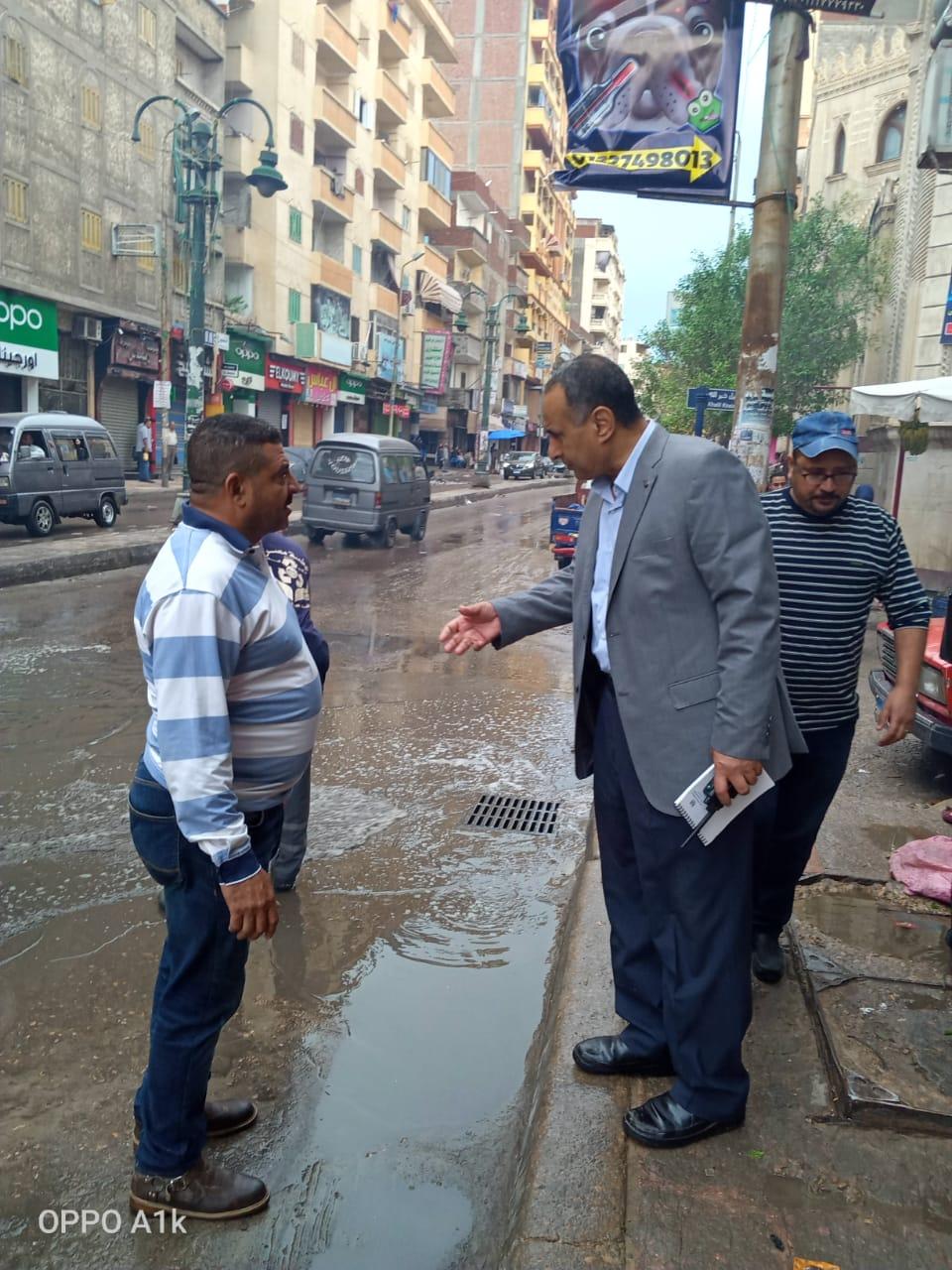 """""""قنصوة"""" يكلف السكرتير العام بتفقد تصريف الأمطار بأحياء العجمي و العامرية و غرب"""