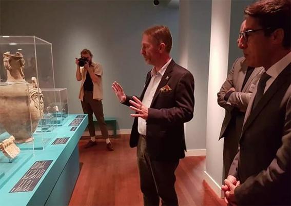 مشاركة السفير المصري في هولندا بحفل إفتتاح معرض المصريات بجامعة أمستردام