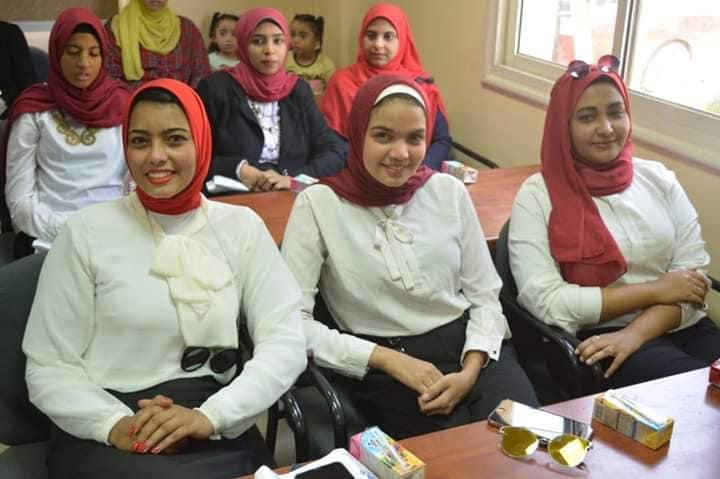 جامعة أسوان تنظم زيارة إلي القاعدة الجوية لرفع الوعي والانتماء لدي الطلاب