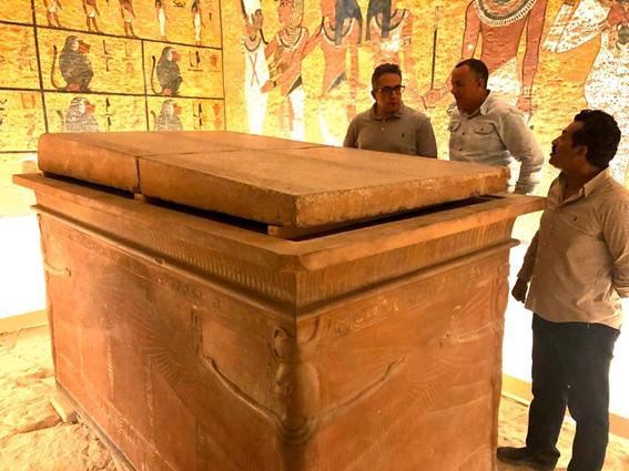 وزير الآثار يتفقد مقبرة توت عنخ آمون بوادي الملوك بالبر الغربي