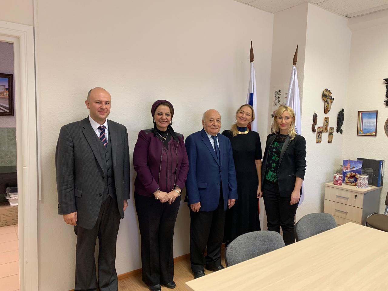 جامعة أسيوط تبحث توثيق أطر التعاون مع جامعة روسيا لصداقة الشعوب