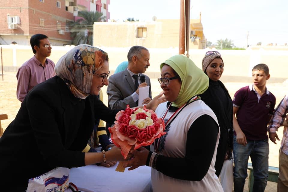 تكريم طلاب المدرسة الفكرية بالخارجة المشاركين بالبطولة الإقليمية