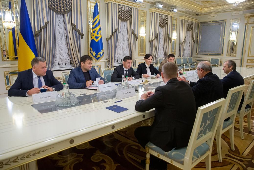 في زيارة هي الأولى من نوعها ..رئيس أوكرانيا يستقل نجيب ساويرس