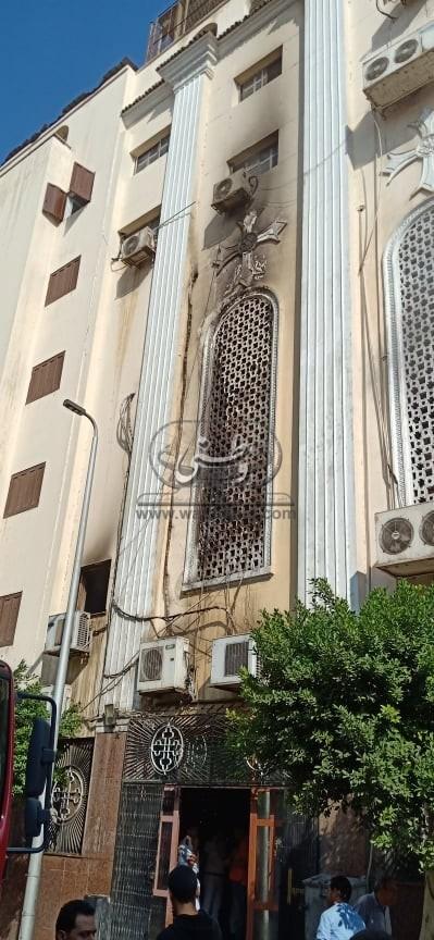 الاطفاء يسيطر على حريق مسرح كنيسة مارجرجس بالجيوشى بشبرا