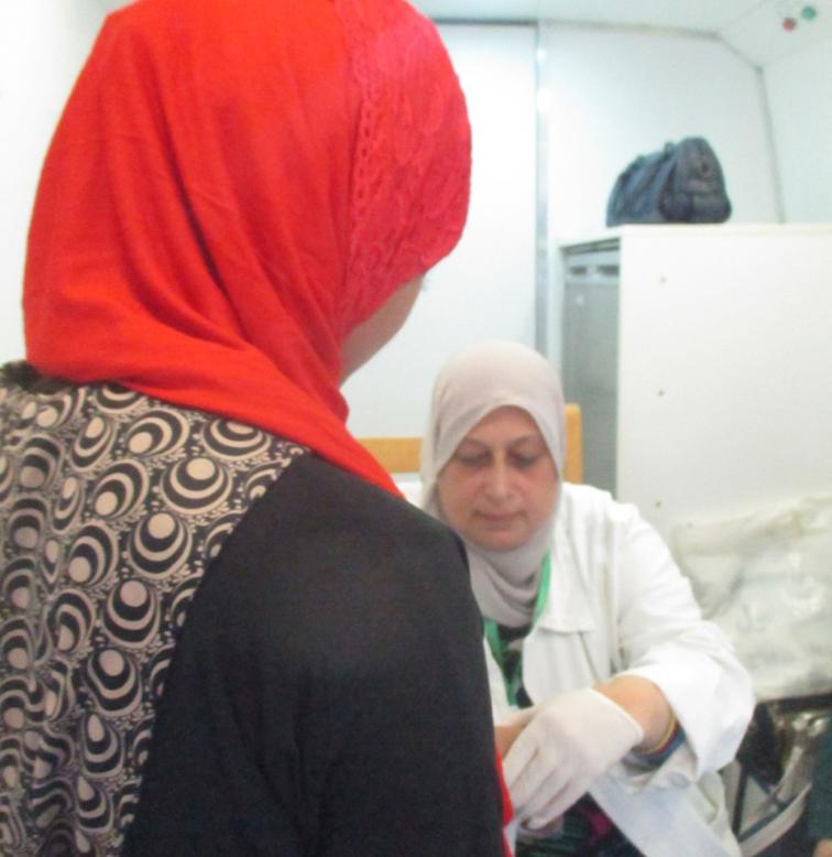 الكشف على 1410 مواطن في قافلة طبية ببني سويف