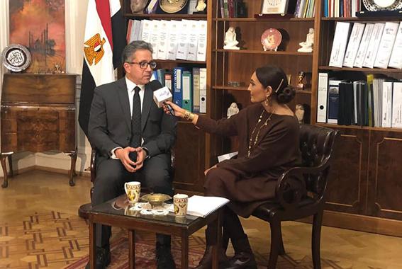 وزير الآثار يجري لقاءات صحفية وتليفزيونية وإذاعية مع أكثر من 20 محطة وقناة وصحيفة بريطانية وعالمية