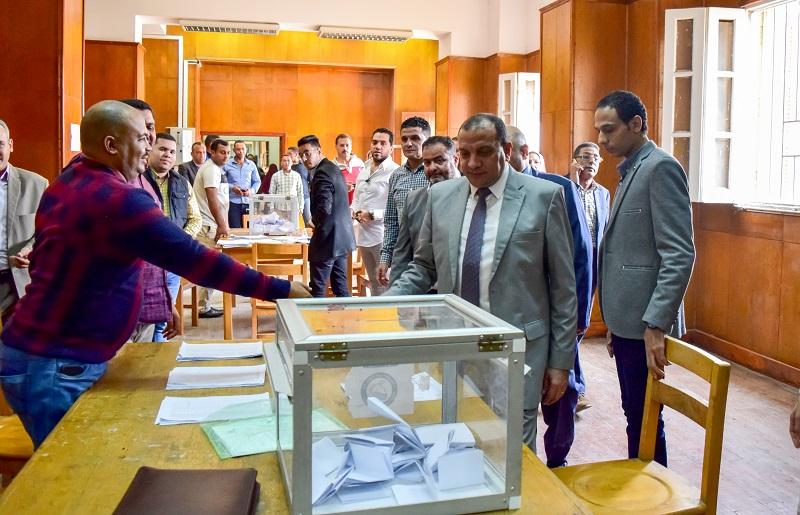 إقبال من طلاب جامعة بني سويف على انتخابات اتحاد الطلاب