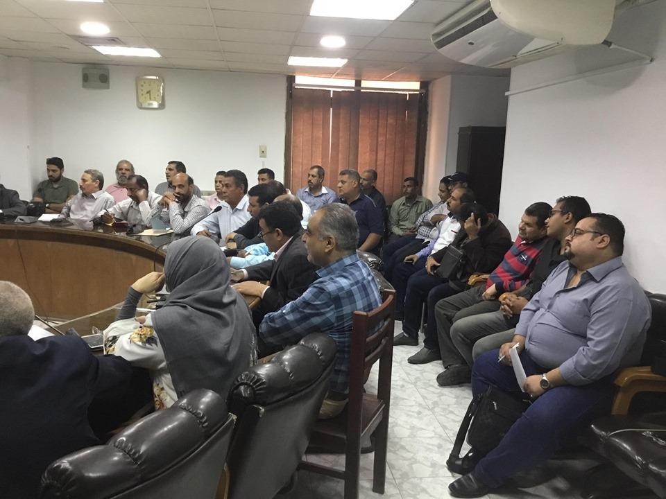 سكرتير عام أسيوط يجتمع بمسئولي لجان التصالح على مخالفات البناء