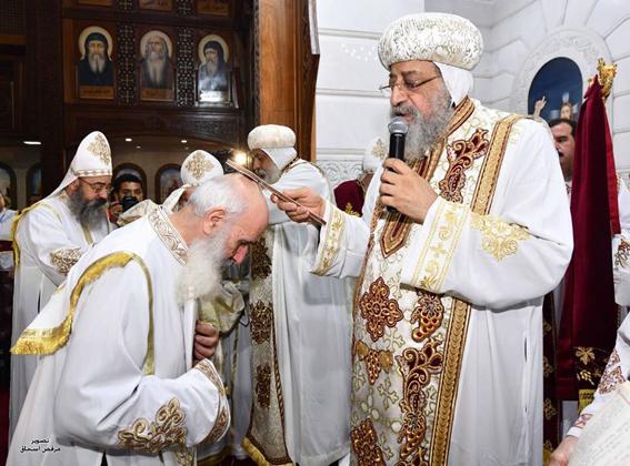 البابا تواضروس يُسيم ٣ قمامصة لعزبة النخل
