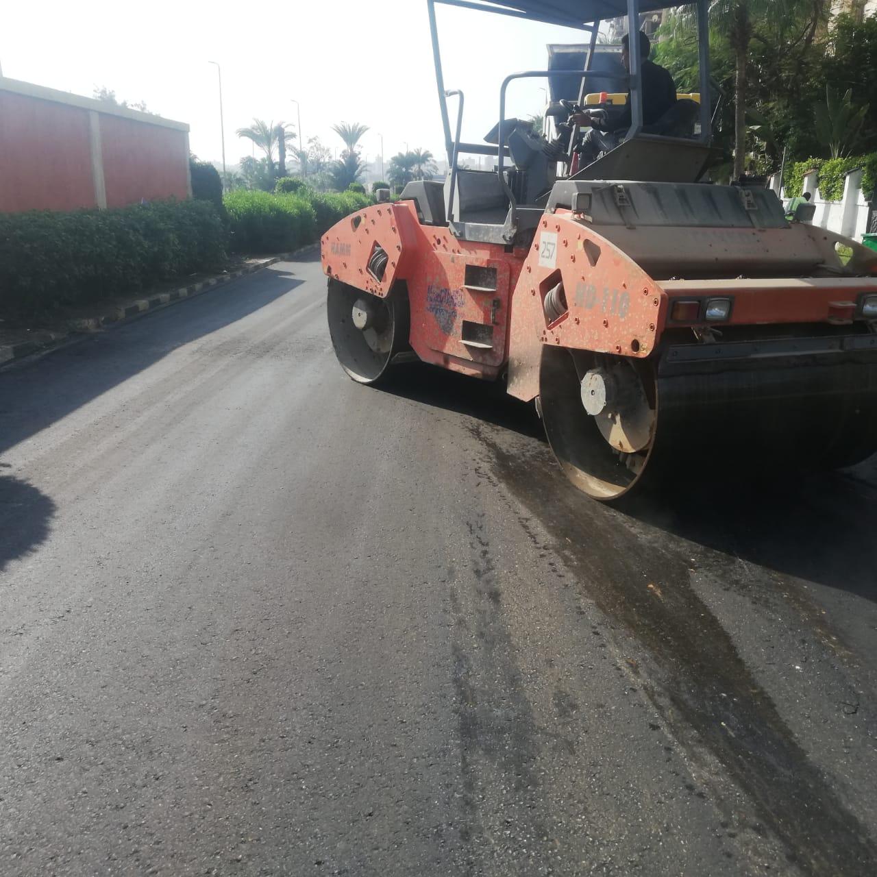 محافظ الإسكندرية: الانتهاء من رفع كفاءة الشوارع الرئيسية ومتفرعاتها بمربع أرض حمزاوي