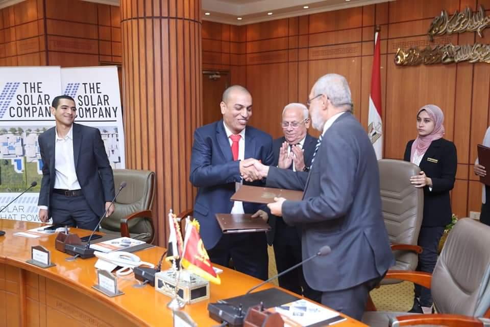 محافظ بورسعيد: تقديم كافة الدعم لمشروعات الصناعات الصغيرة بجنوب بورسعيد