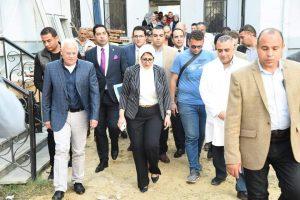 محافظ بورسعيد ووزيرة الصحة يتفقدان مستشفيات الرمد والسلام ببورسعيد
