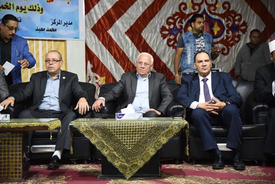محافظ بورسعيد يؤكد علي اهمية دور الاسرة في توعية أبنائها باهمية دور المدرسة