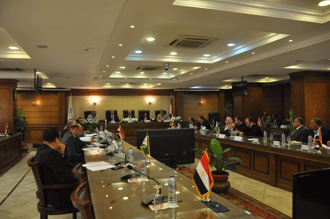 محافظ الجيزة يعقد اللقاء الدورى مع أعضاء مجلس النواب