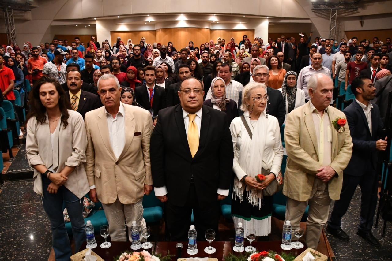 جامعة حلوان تشهد حفلا  للفنان العالمي رمزي يسى والفنان نصير شمة والفنانة جالا الحديدي