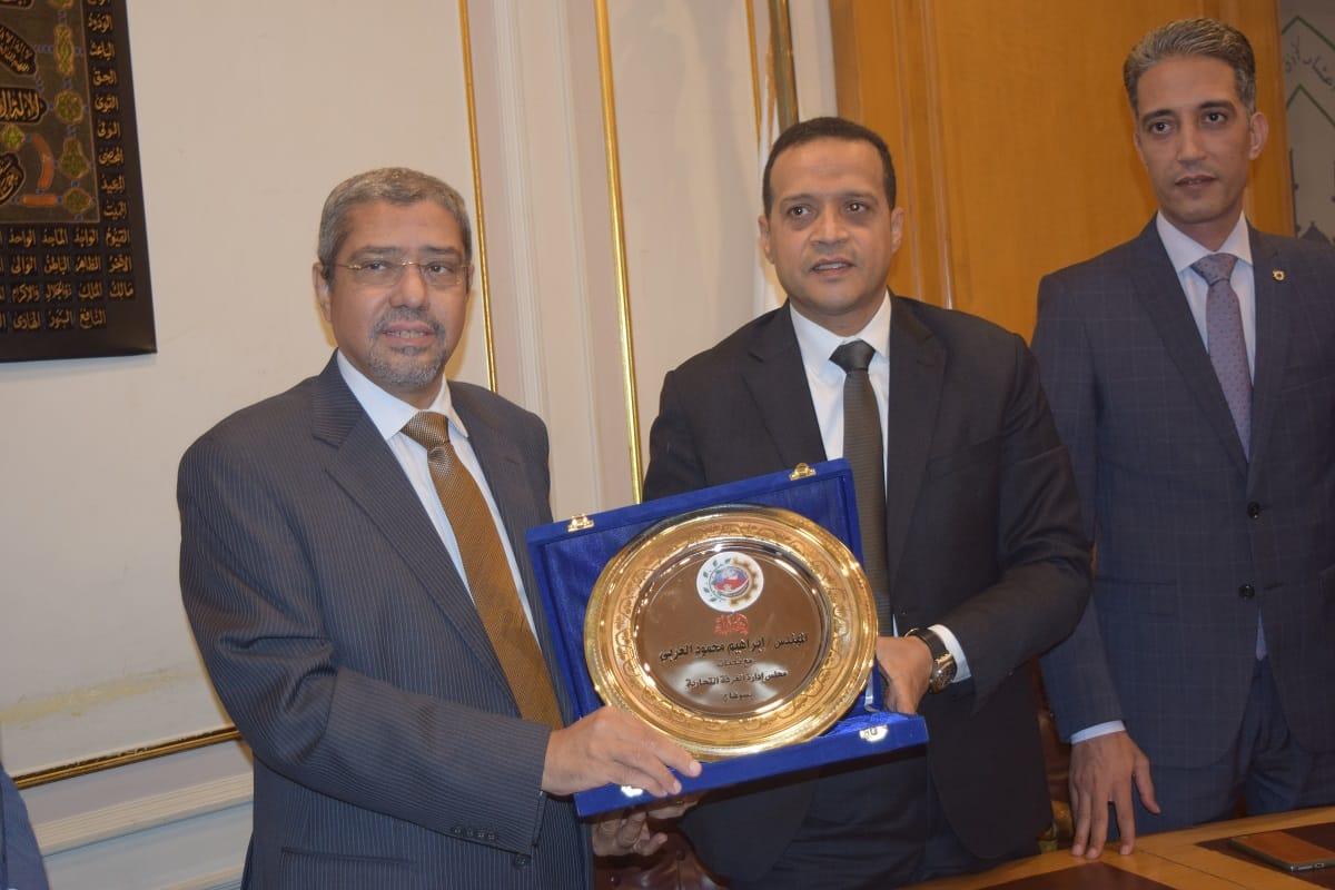 إتفاقية تعاون مشترك بين غرفتي القاهرة وسوهاج لدعم التجارة والصناعة والاستثمار